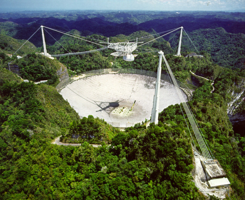Mysterious bursts of radio waves identified far outside galaxy
